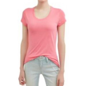Pink short sleeve scoop neck Tshirt